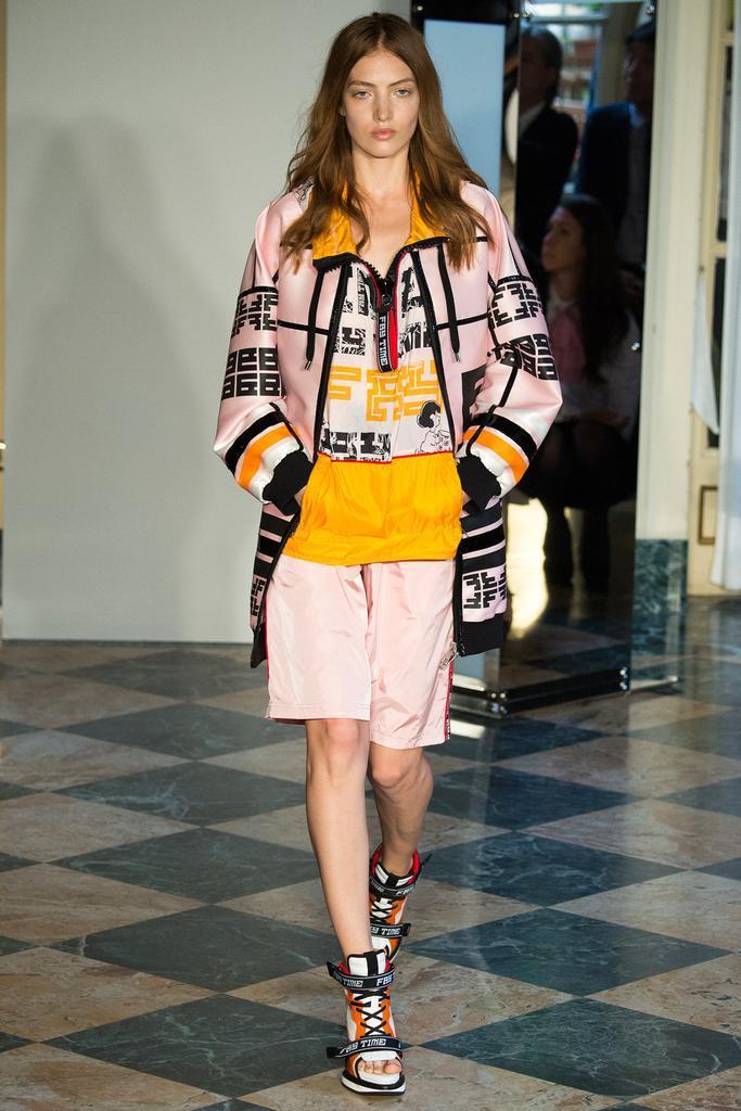 2015春夏米兰时装周发布会 Fay 法伊 时装秀图片