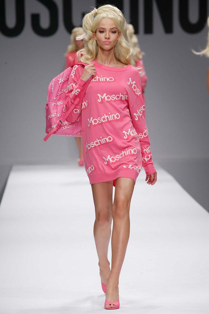 2015年  莫斯奇诺 (Moschino)  春夏高级成衣米兰时装周发布秀