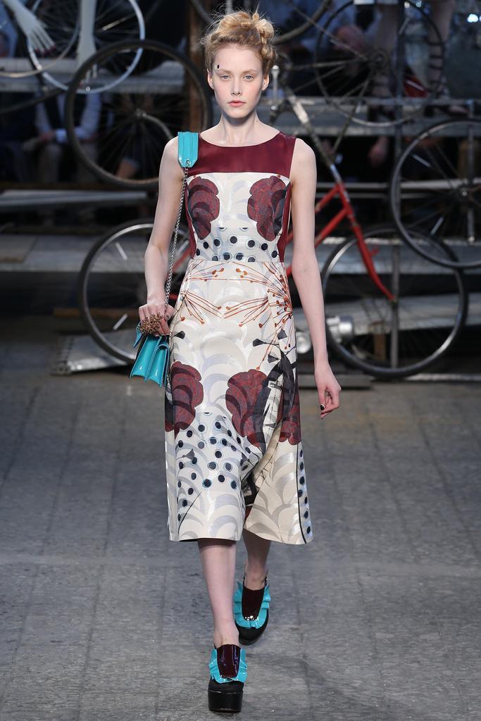 2015年 安东尼奥・马拉斯 春夏高级成衣米兰时装周发布秀