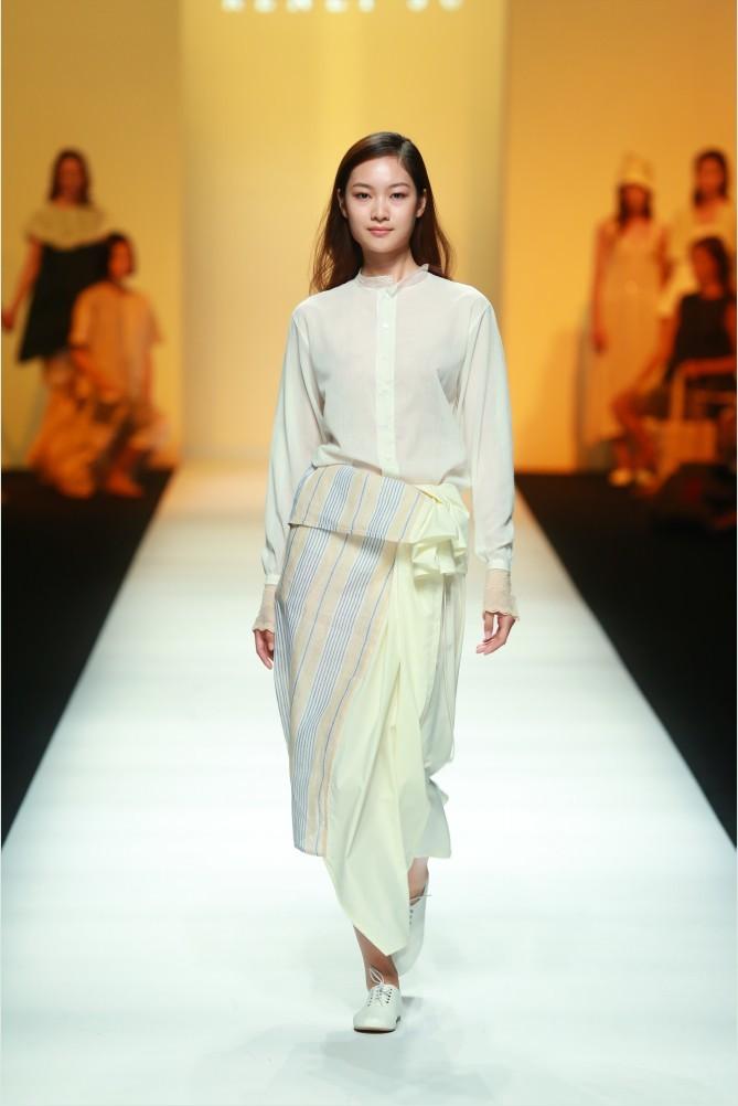 RENLI SU品牌秀 2015春夏上海国际时装周 时装秀高清图
