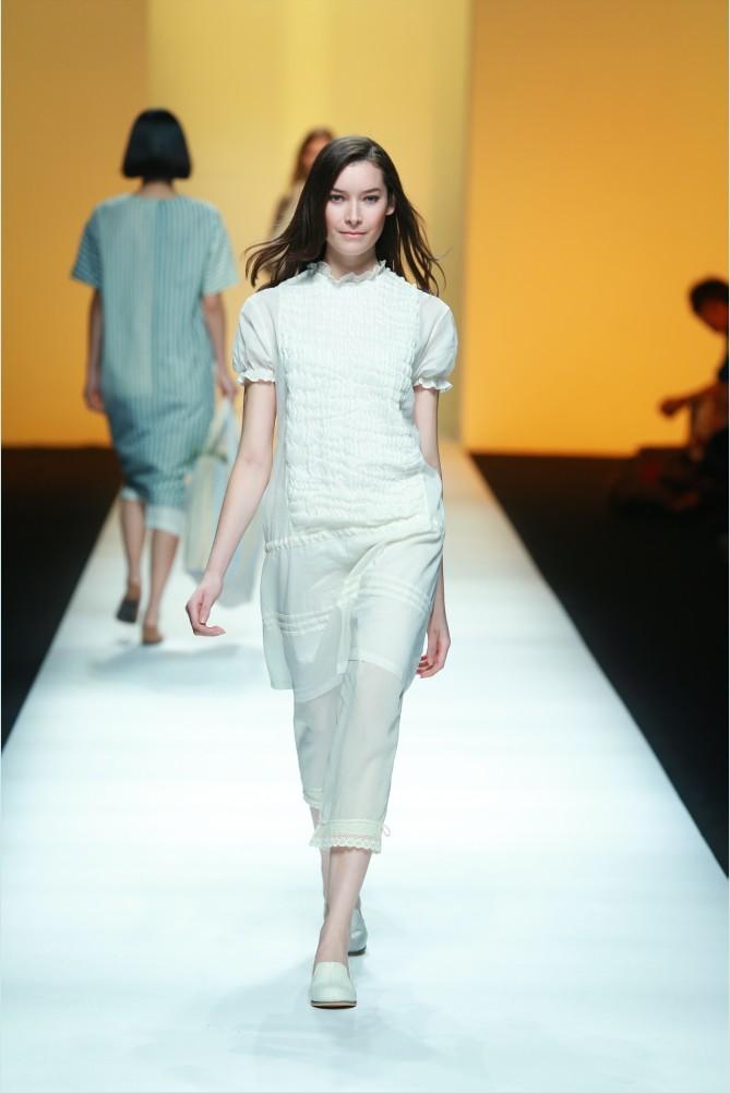 RENLI SU于上海时装周发布2015春夏系列