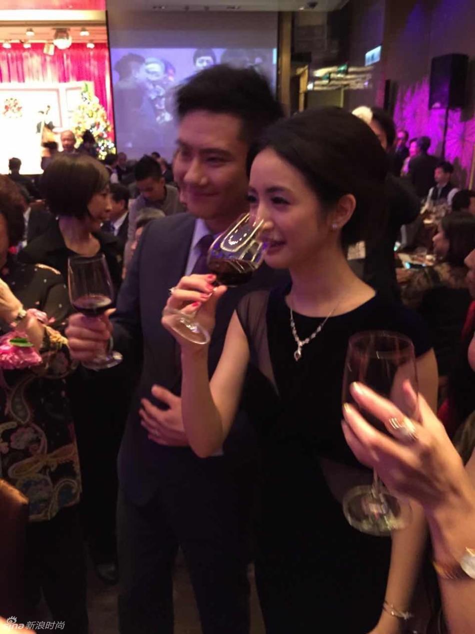 谢娜也亲赴台湾出席婚宴,还晒出和林依晨的合影分享甜蜜.-林依晨