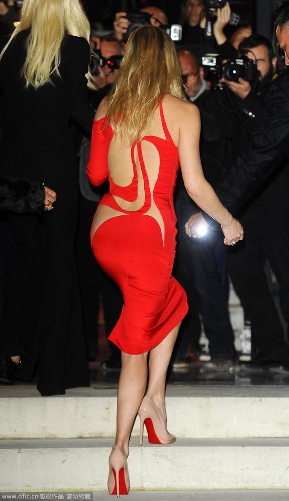凯特-哈德森母女助阵Versace高定大秀