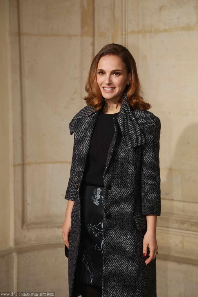 娜塔莉-波特曼夫妇助阵Christian Dior高定秀