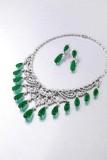 17颗天然祖母绿钻石项链及耳环