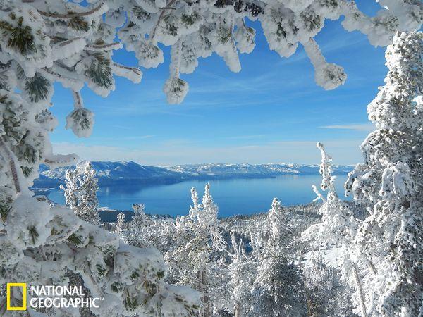 《国家地理》雪景摄影精选:冰雪绕湖美不胜收