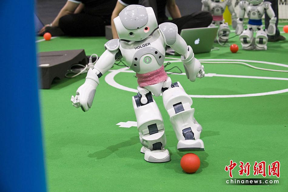 德国 2010年机器人世界杯足球赛即将开战