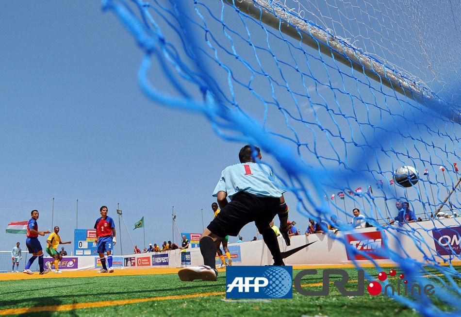 010年流浪汉世界杯足球赛正如火如荼地进行.本届赛事的全球形象