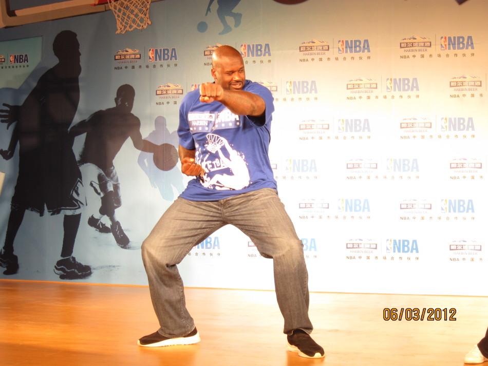 尼尔长沙秀功夫跳街舞