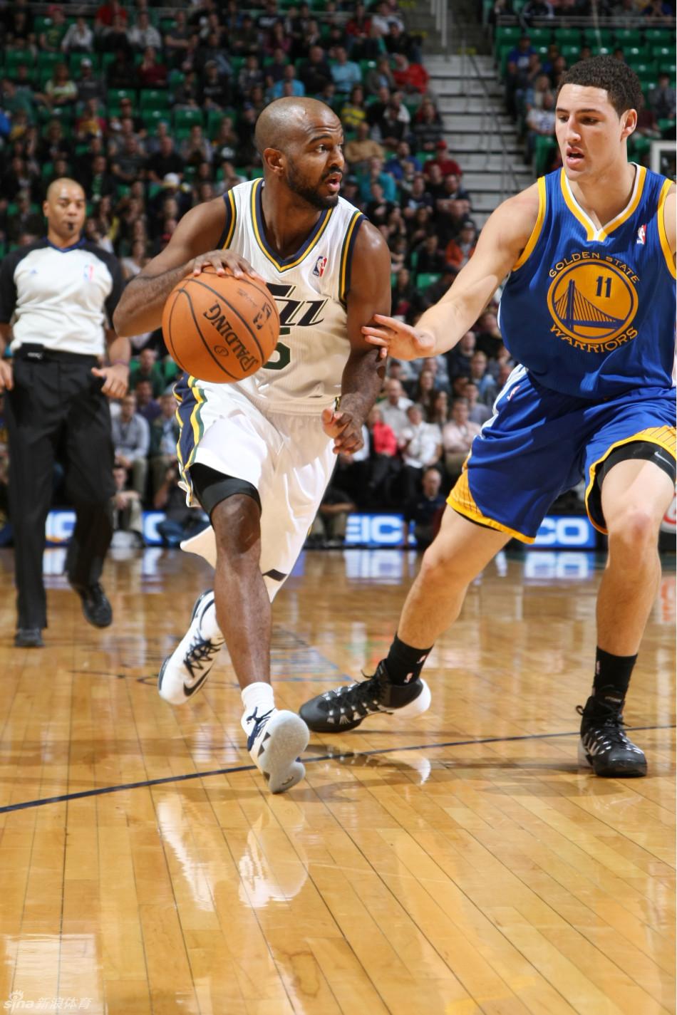 18分6篮板,马尔文-威廉姆斯16分8篮板,德里克-费沃斯10分7篮板
