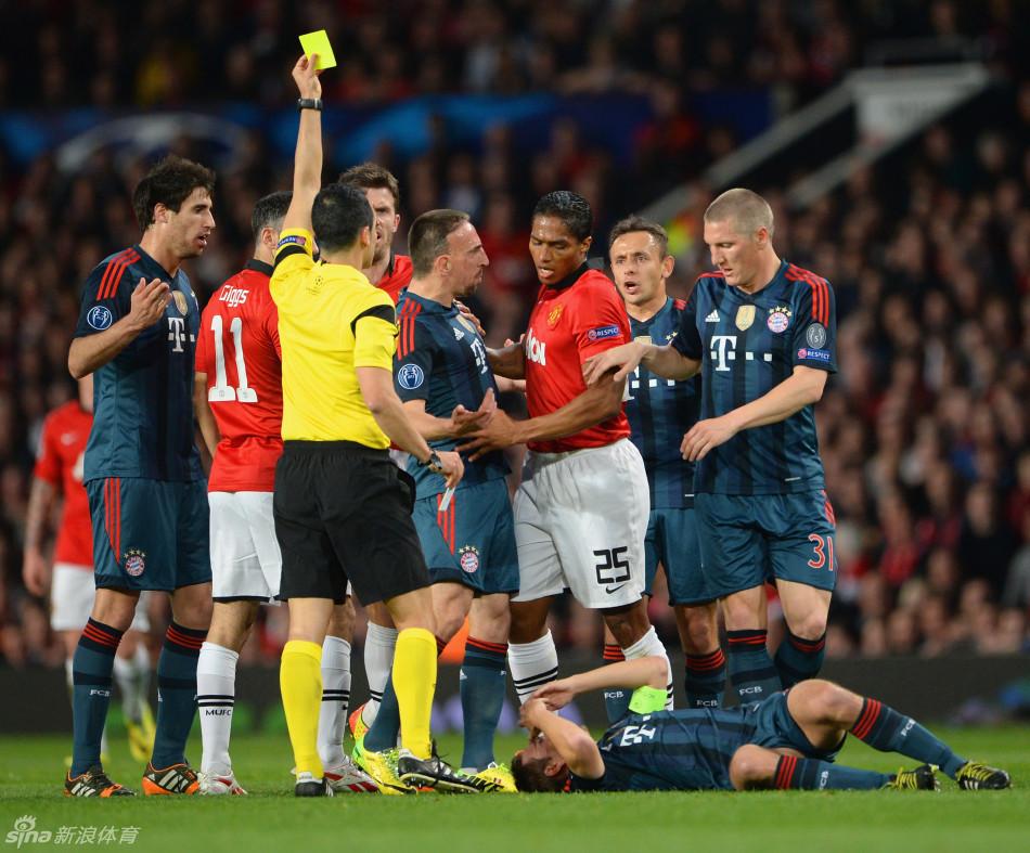 曼联主场1比1战平拜仁,本赛季欧冠主场4连胜终结.图片