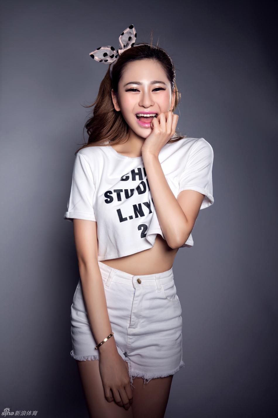 吴沐熙完美身材秀美腿 - 身材美女,性感美女,图片 ...