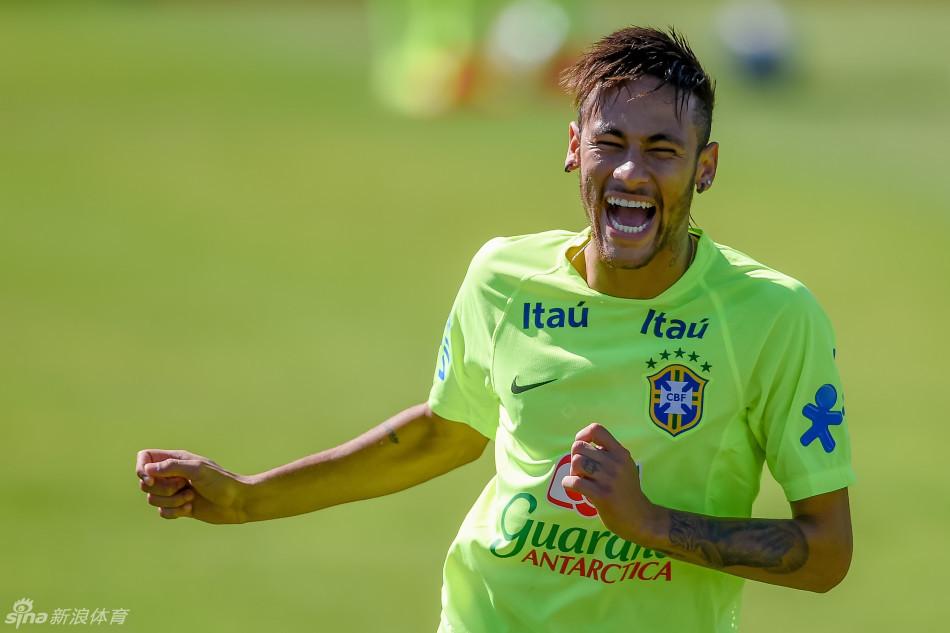 巴西国家队在特雷索波利斯训练备战2014年世界杯,内马尔领衔群星图片