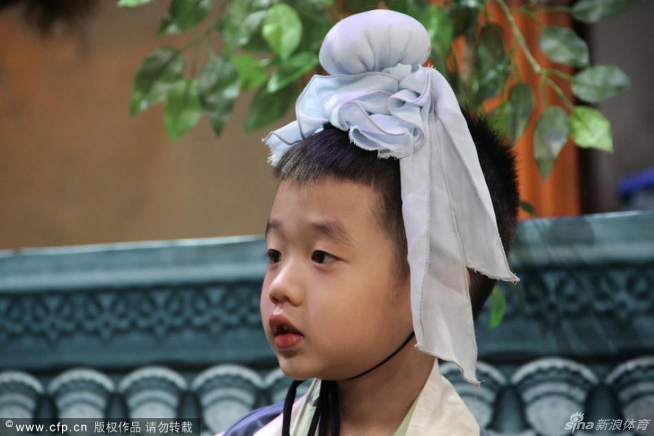 杨阳洋表情可爱