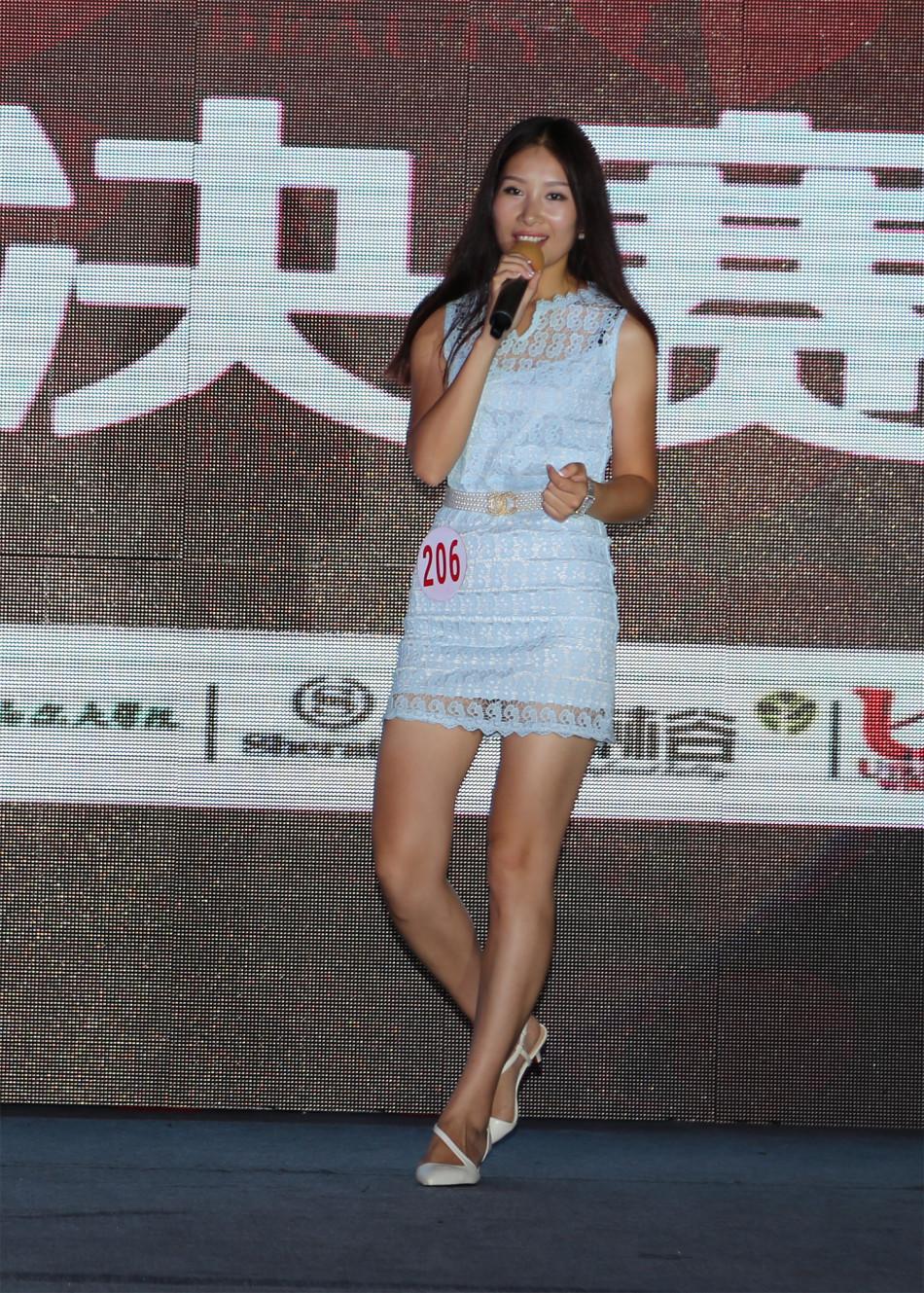 中国选美大赛_北京时间8月14日晚,中国首届高尔夫小姐选美大赛总决赛在海南七仙岭