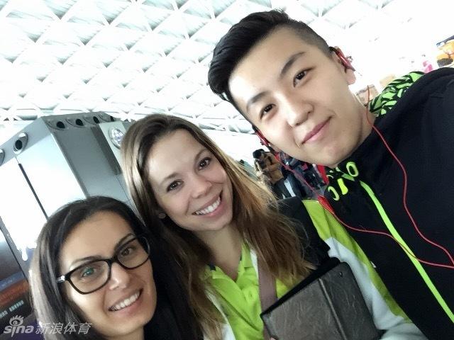 要说今年最红的中国排球队员,可能要属四川女排的副攻张晓高清图片