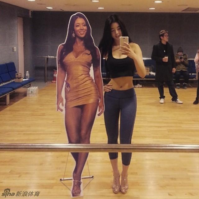 韩国90后嫩模教练柳胜玉 Balletion运动法塑造完美身材 微博