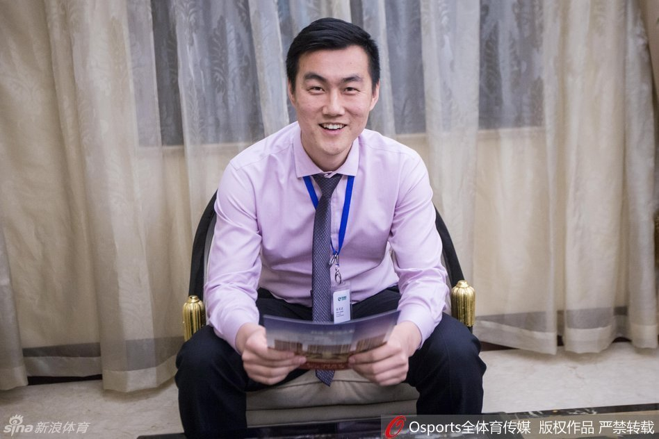 近日,一条前绿城球员焦凤波转行卖房子的微信被疯转——现年32岁的他