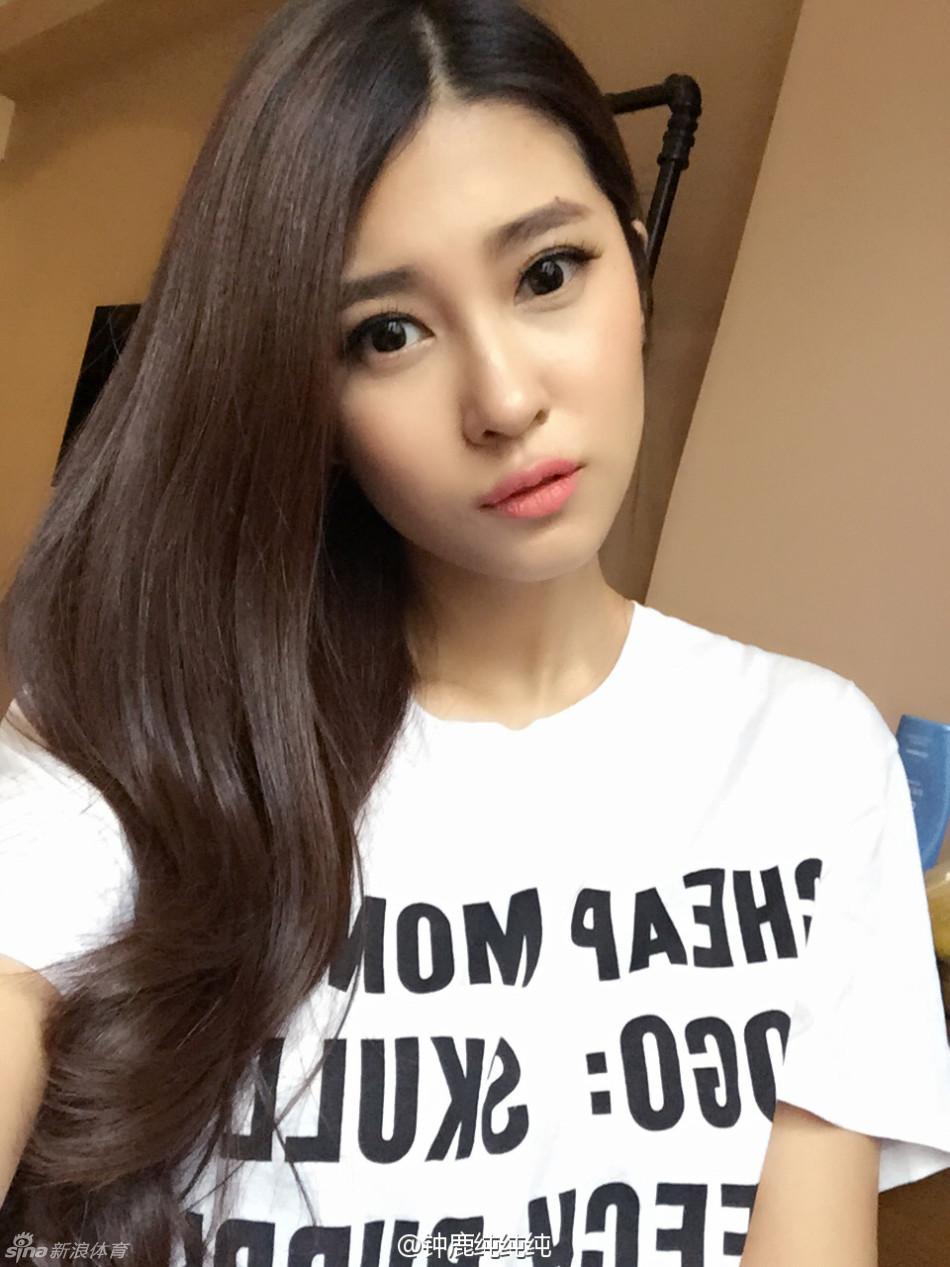 刘晓宇女友美艳私照[15张]-美女图片-体育图集-英超直播吧