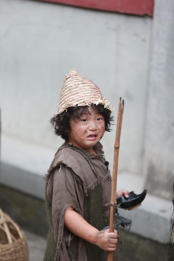 明爱子轩轩化身小乞丐乞讨图片