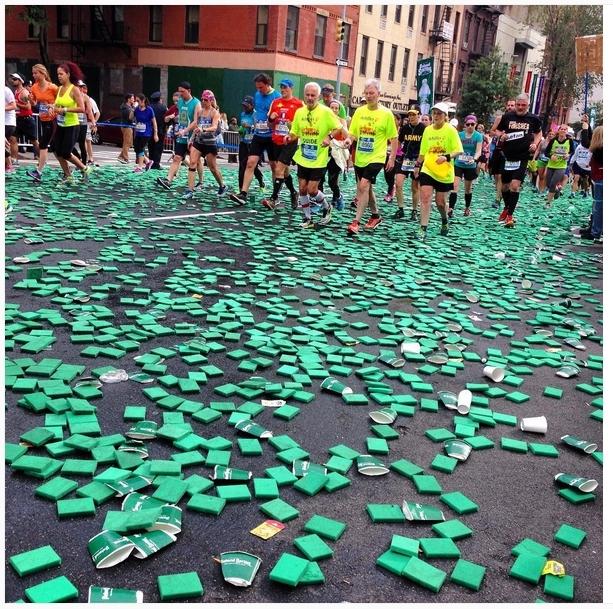2015年11月1日结束的纽约马拉松赛事完美落幕了,各种跑者纷纷晒出私家