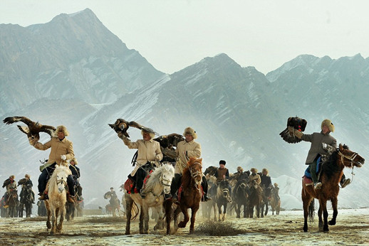 哈萨克人是世界上最后的鹰猎人,他们生活在俄罗斯、哈萨克斯坦、