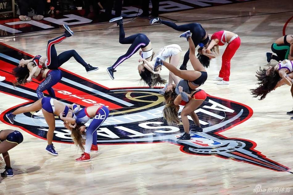 在NBA没有赛事的几日里,新浪体育带您来一起回顾NBA全明星拉拉队图片