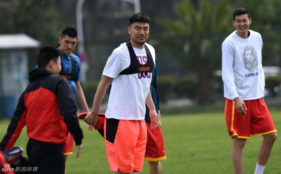 通讯:从中国体育教师到老挝男篮国家队主教练――中国青年志愿者书写中老友好佳话