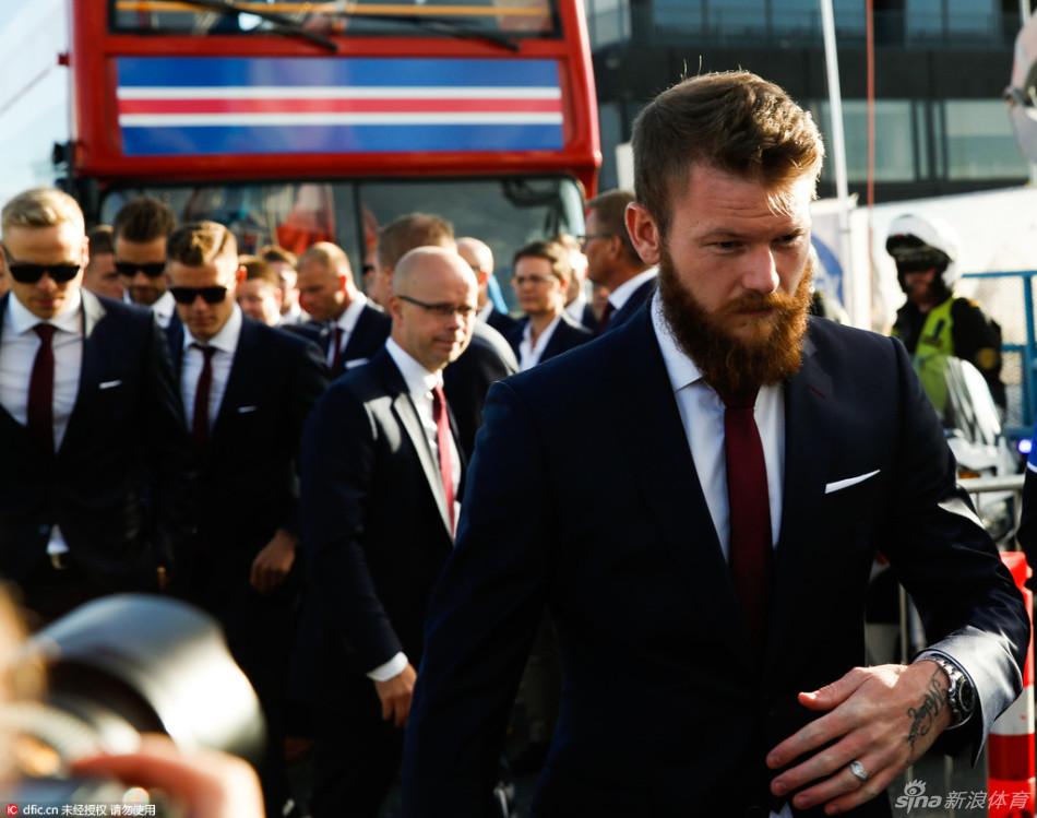 冰岛凯旋球迷游行欢迎