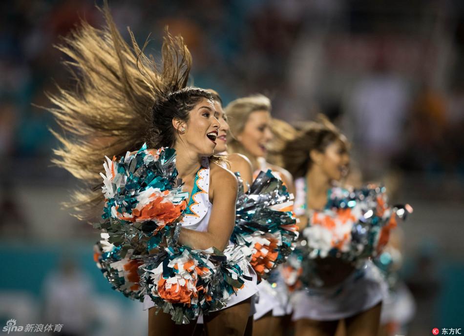 NFL啦啦队宝贝劲歌热舞(32张)