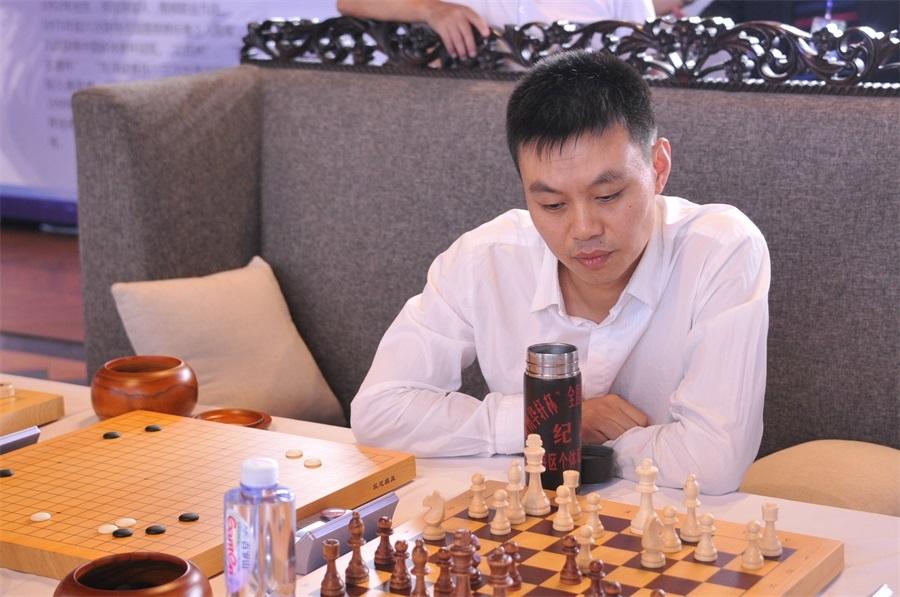 许银川象棋�:-f����,,_国象世界特级大师叶江川与象棋特级大师许银川一决高下,围棋成为决胜