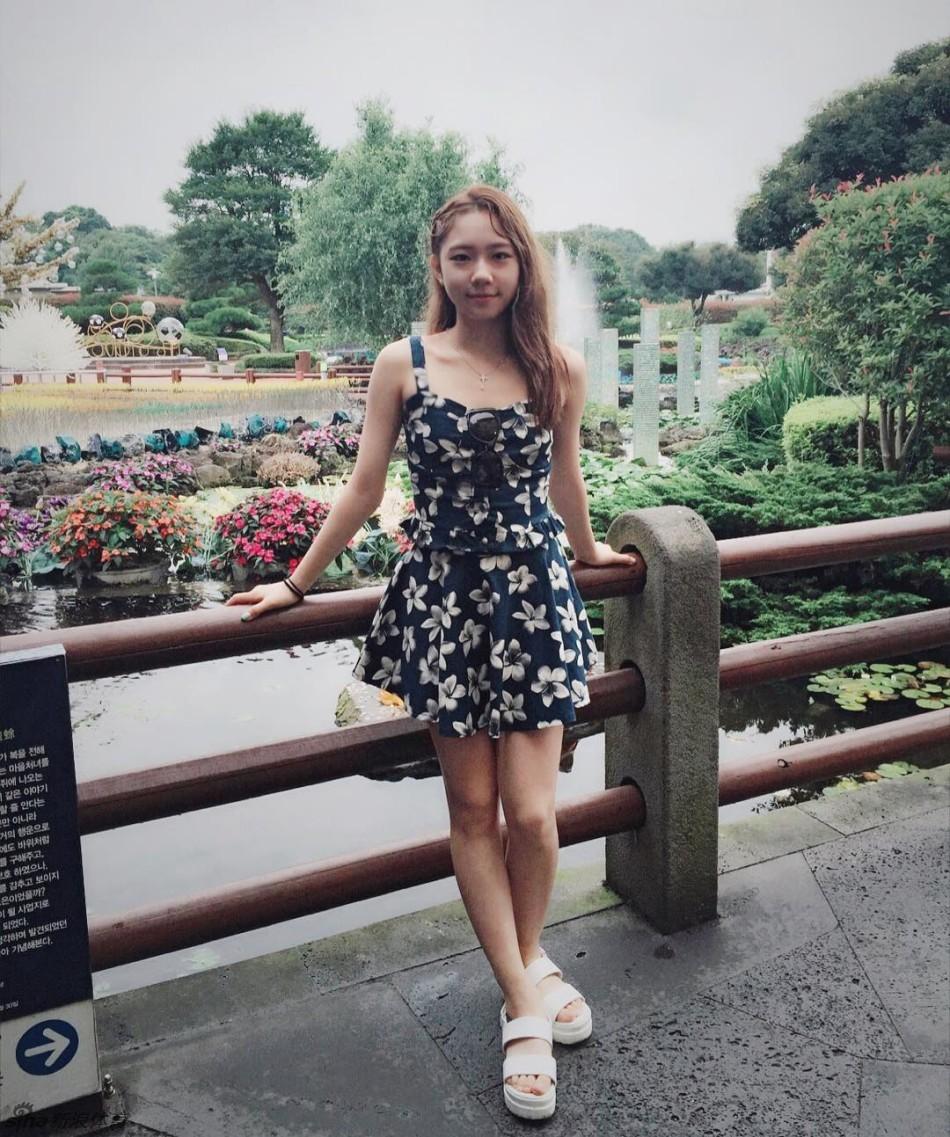 韩国00后花滑小美女美照