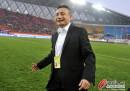 宫磊赛后与球员感谢贵州球迷