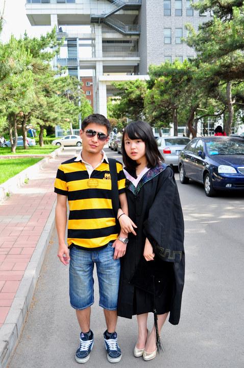 90后童颜毕业生萌翻网友图片