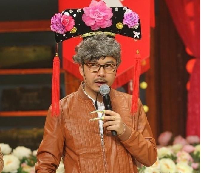 星陈莎莉、在《还珠格格》中饰演皇后一角的戴春荣做客节目.汪涵
