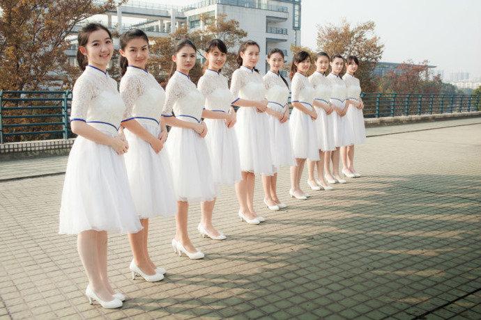 那个民族人口最多_我国为什么把汉族以外的55个民族称为少数民族(3)