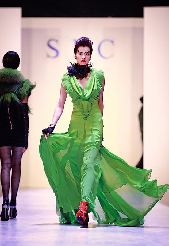 著名服装设计师祁刚作品秀