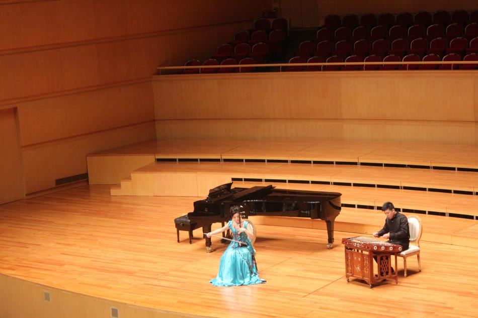 组图 于红梅二胡独奏音乐会琴台优雅绽放