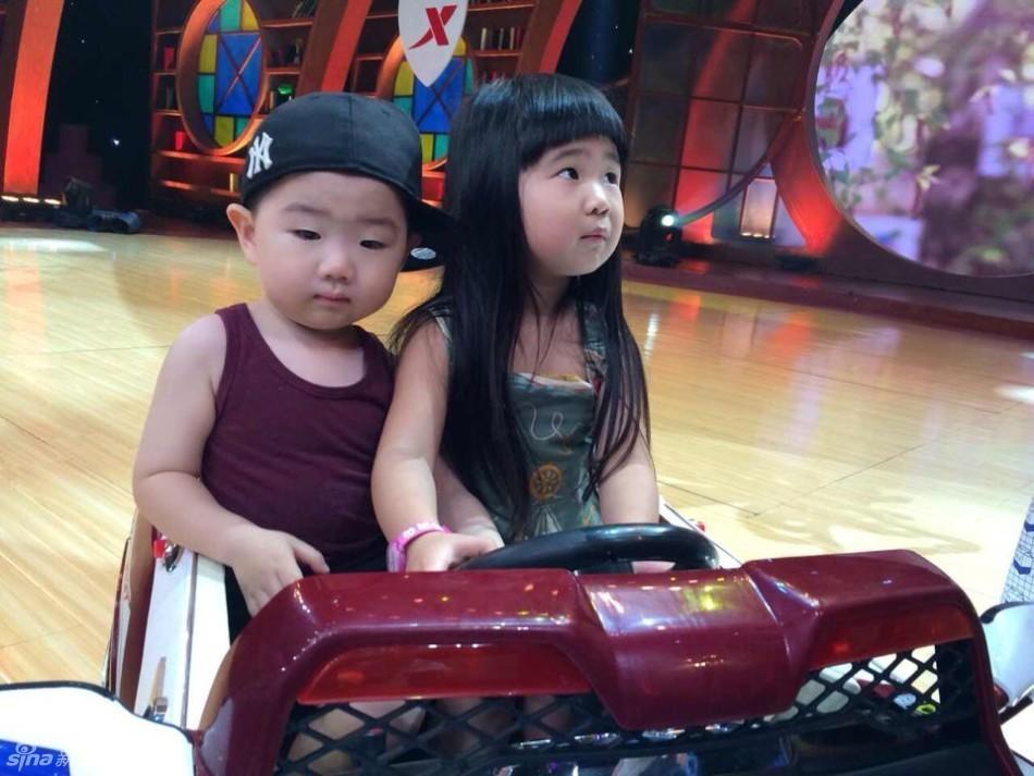 Grace姐姐和韩国小正太 撞脸 上综艺