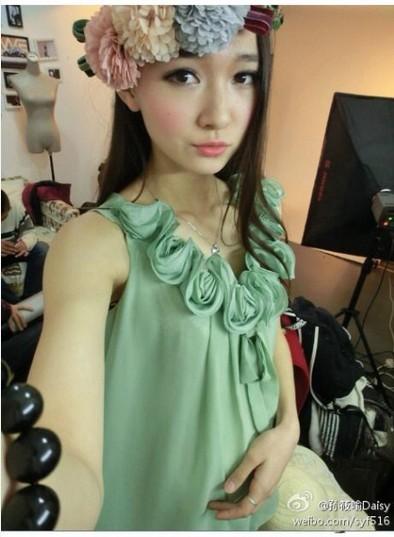 更是获得了2014重庆小姐的亚军! 图片来自/@重庆校花-重庆工商美图片