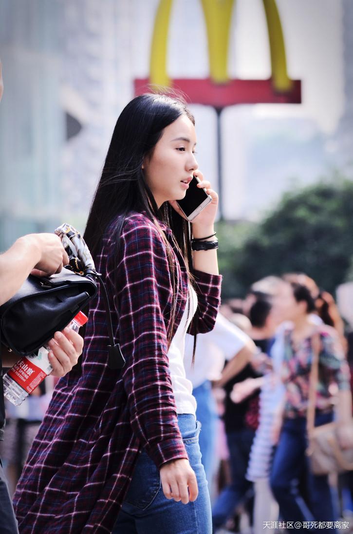 016重庆初夏美女街拍 美女大秀细腰长腿