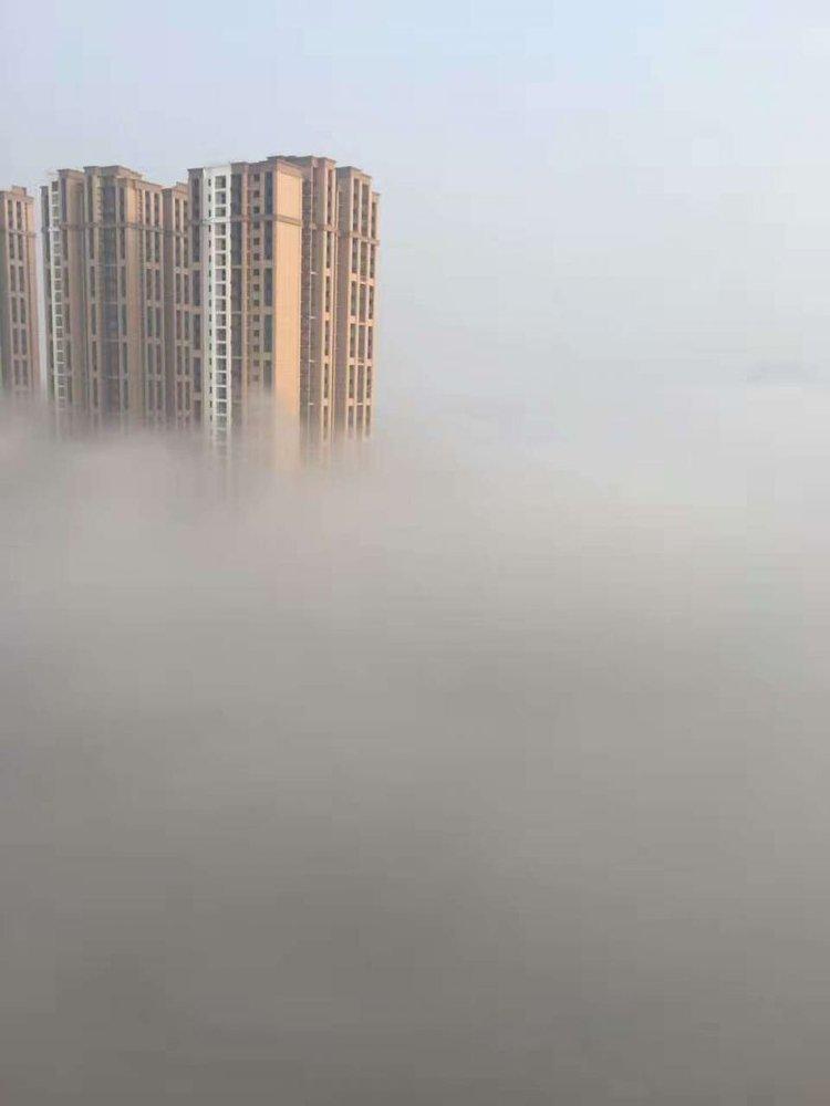重庆一区县现空中之城美景