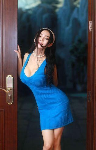 网络红人潘春春写真尺度大胆 胸器秒柳岩
