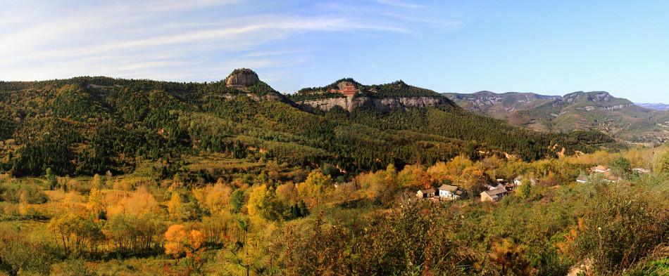 饱览铜川照金—香山风景区是国家级风景区,是陕西唯一一个丹霞地貌