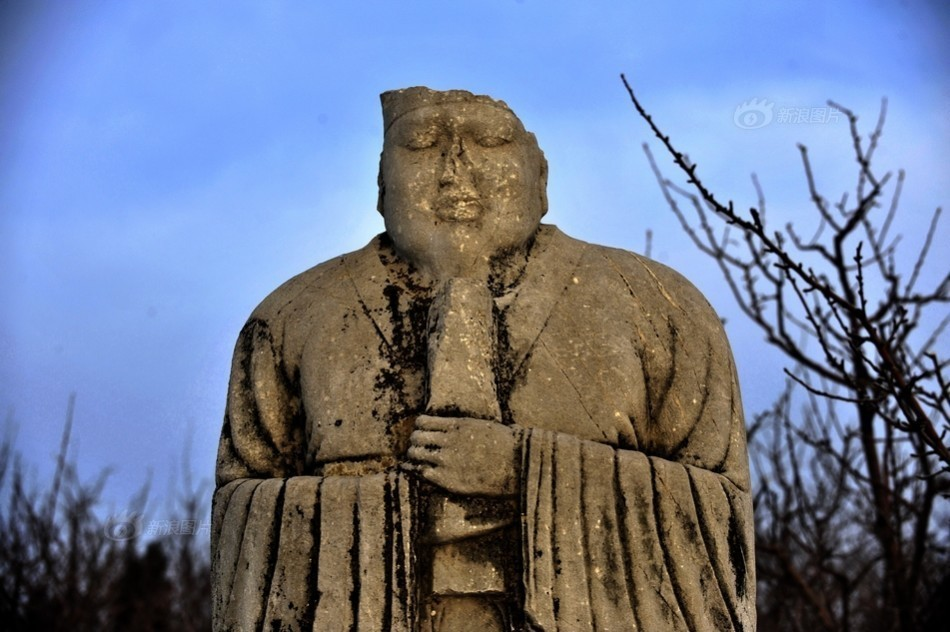 ...岭村的建陵是唐朝第七个皇帝李亨的陵墓其神道石刻是唐十八陵...