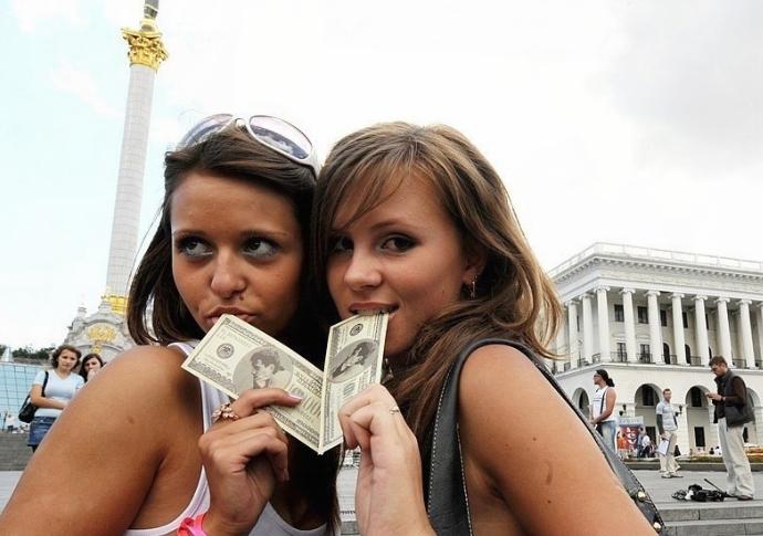 奇热网色情6913_混乱的性交易 揭秘乌克兰色情业