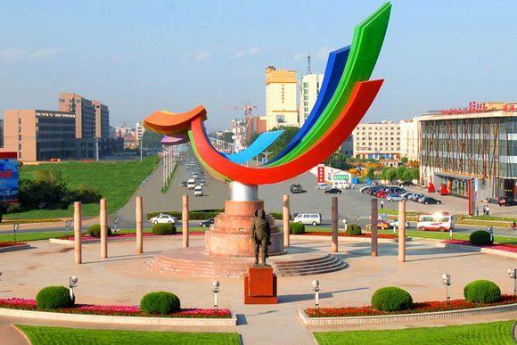葫芦岛-飞天广场