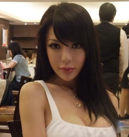 """""""台湾乳神""""徐至琦或在影片中晒巨乳.-苍井空领衔的 4D肉蒲团 性"""