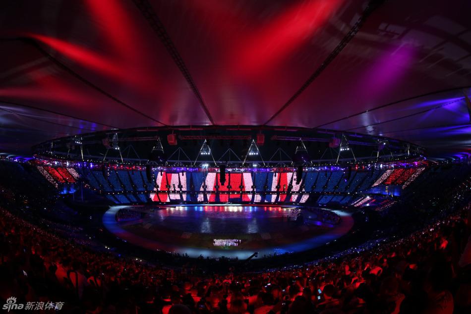 月28日凌晨,2012年伦敦奥运会开幕式在伦敦奥林匹克体育场举行,图片