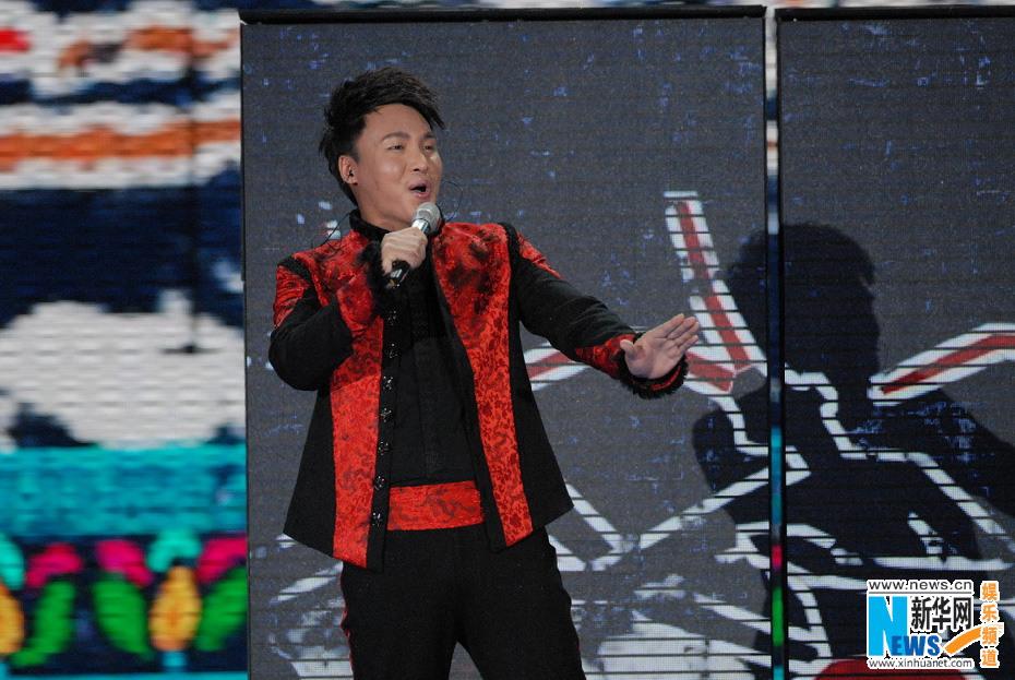 2月3日下午,2013央视蛇年春晚进行了第四次带观众的联排.宋祖英